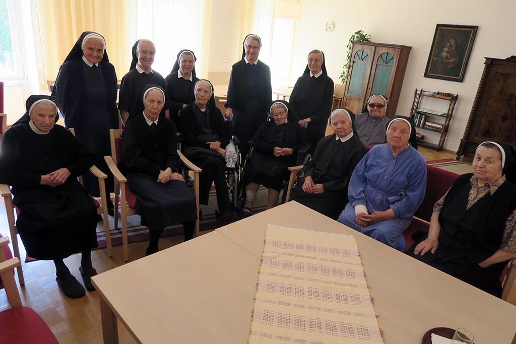 Schwestern im Konvent La Verna