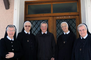 Schwestern in Markt Hartmannsdorf